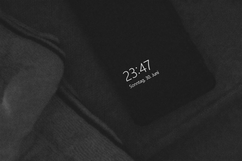 Handy mit Uhrzeit